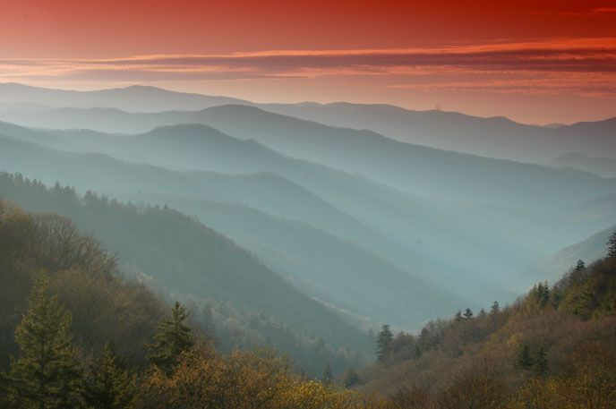 the great smoky mountains Get detail information about great smoky mountains national park including directions, map and nearby camping location.