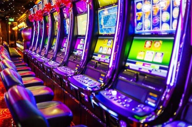 Играть в официальное казино отель гран казино рояль коста брава